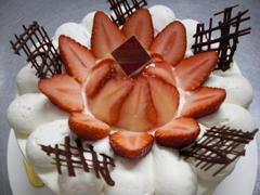 無添加でもしっとり美味しい生デコレーション ホワイト :: なんかうまいこと蓮の花っぽいデコレーション。