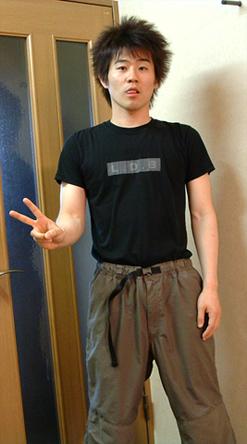 LDB :: このTシャツは、もう何年も前の恋人からいただいた品なんだけど、いまだに使わせていただいてる俺様って、イタメンなのかい?