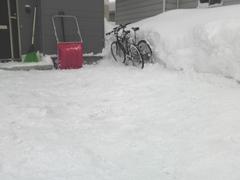 """これが雪かきというのです。 :: """"雪かきっつーのは、こうやってやるんじゃい!!""""っていうのを示唆。"""